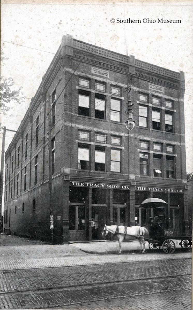 Tracy Shoe Company on Second Street (c. 1900).